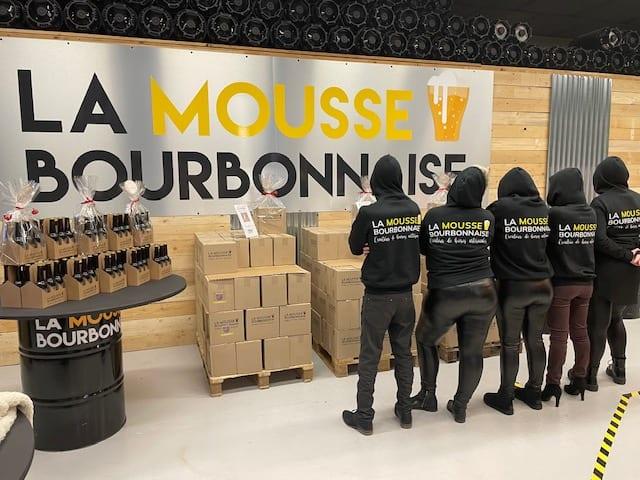 Equipe La Mousse Bourbonnaise de dos